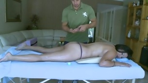Sexy masseur is appreciation playgirl's slit during sensual massage