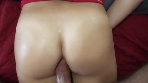 Gal gives up-market oral pursuit previous to getting wet holes licked well